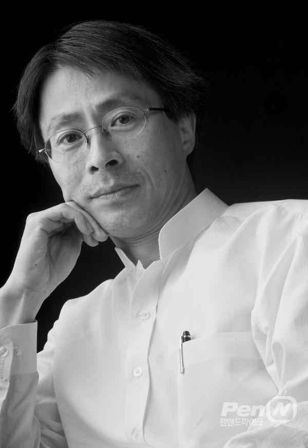 조우석 객원칼럼니스트(KBS 이사)