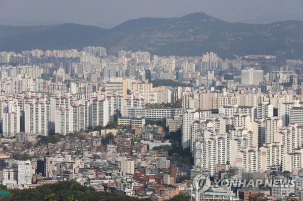14일 오후 서울 남산에서 바라본 서울 시내 아파트. [사진=연합뉴스]